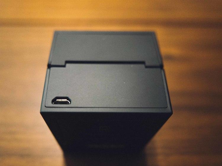 Ringly+charging+box
