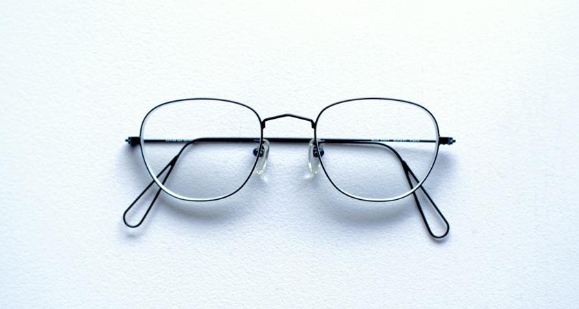 ミニマリズムの境地。『Cutler and Gross』の70'sヴィンテージ眼鏡を購入しました。