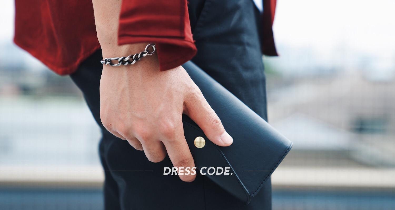 無骨な革と配色で男らしく。国立商店の本革iPhoneケース